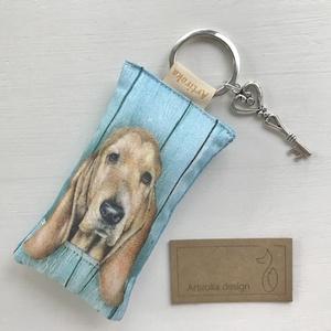 Kutya mintás kulcstartó, kis vintage kulccsal   - Artiroka design, Táska & Tok, Kulcstartó & Táskadísz, Kulcstartó, Varrás, Ékszerkészítés, Meska