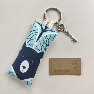 Mackó az erdőben, türkiz színű kulcstartó +  vintage kulcs - Artiroka design, Táska & Tok, Kulcstartó & Táskadísz, Kulcstartó, Varrás, Ékszerkészítés, Meska