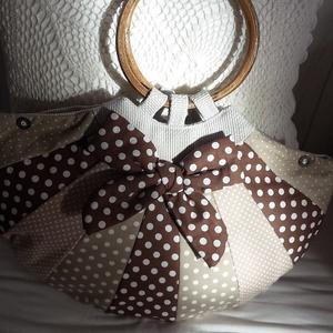 pöttyös félkör táska, Táska, Táska, Divat & Szépség, Válltáska, oldaltáska, Varrás, Ezt a különleges formájú táskát egymáshoz színben harmonizáló pöttyös vászonanyagokból készítettem, ..., Meska