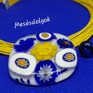 Sárga kék virágos medál ajándék fülivel üvegékszer, Ékszer, Nyaklánc, Medál, Üvegművészet, Ékszerkészítés, Fusing technikával készítettem. Saját tervezésű üvegékszer medál színben hozzá illő mutatós többsoro..., Meska