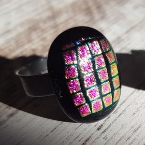Szivárvány gyűrű, üvegékszer , Gyűrű, Ékszer, Üvegművészet, Ékszerkészítés, Szivárvány színei ihlették meg ennek az igazán mutatós gyűrűnek a megalkotását.\nÁllítható alap.\nMére..., Meska