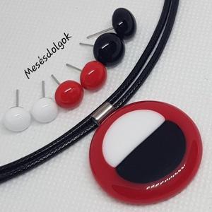 Piros fehér fekete kör üvegékszer szett , Ékszer, Ékszerszett, Ékszerkészítés, Üvegművészet, Fusing technikával készítettem az örökké divatos fekete fehér piros kombinációjával. \n3 pár színekbe..., Meska