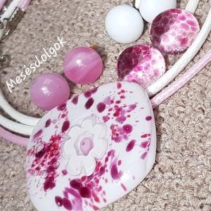 Mályva pink virágos üvegékszer medál 3pár fülbevalóval, orvosi fém alapokkal, Ékszer, Ékszerszett, Ékszerkészítés, Üvegművészet, Fusing technikával millefiori virágos díszítéssel készítettem ezt a romantikus és igazán nőies medál..., Meska