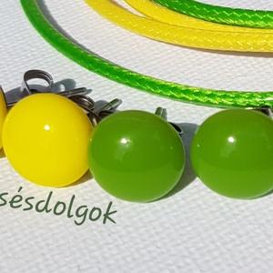 Sárga zöld 2pár nemesacél fülbevaló üvegékszer, Ékszer, Fülbevaló, Pötty fülbevaló, Ékszerkészítés, Üvegművészet, Fusing technikával készítettem nemesacél alapokra mely nem allergizál nem színeződik el., Meska