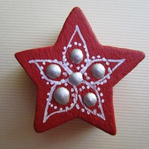 Karácsonyi csillag dísz, Dekoráció, Otthon & lakás, Ünnepi dekoráció, Karácsony, Karácsonyi dekoráció, Ajándékkísérő, Festett tárgyak, Karácsonyi csillag dísz\nAnyaga: fa (a fa megmunkálás nem saját kézzel történt)\nFelhasznált anyagok: ..., Meska
