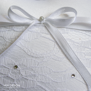 Esküvőre egyedi kézműves gyűrűpárna hófehér színekben (MiaDesign) - Meska.hu
