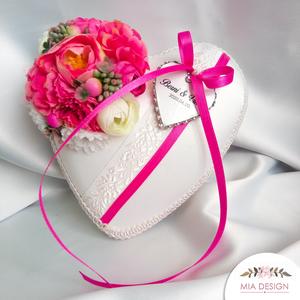 Pink gyűrűpárna esküvőre , Gyűrűtartó & Gyűrűpárna, Kiegészítők, Esküvő, Varrás, Virágkötés, Élénk rózsaszín-PINK esküvői gyűrűpárna, művirág elemekkel, tökéletes választás tavaszi-nyári esküvő..., Meska