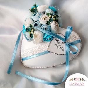 Baby Blue színvilágú gyűrűpárna esküvőre , Esküvő, Kiegészítők, Gyűrűtartó & Gyűrűpárna, Virágkötés, Varrás, A PÁRNÁRA A NEVETEKKEL, ÉS A LAGZI DÁTUMÁVAL ELLÁTOTT SZÍVECSKE IS KERÜL!\nMegrendeléskor megjegyzésb..., Meska
