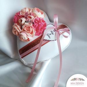 Rosegold-rózsaszín színvilágú gyűrűpárna , Gyűrűtartó & Gyűrűpárna, Kiegészítők, Esküvő, Varrás, Virágkötés, Egyedi kézműves gyűrűpárna hófehér selyem alapon, rosegold-rózsaszín színvilágban. A gyűrűpárnán róz..., Meska