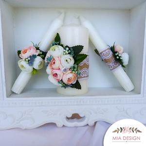 Egyedi esküvői gyertyaszett zsákvászonnal és művirágokkal, Esküvő, Dekoráció, Helyszíni dekor, Virágkötés, Gyertya-, mécseskészítés, RÖVID LEÍRÁS:\nA gyertyákat csipkés zsákvászonnal, művirág elemekkel, habrózsákkal, selyemvirágokkal ..., Meska