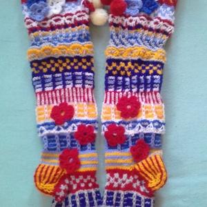 színes térd fölötti zokni, Zokni, Cipő & Papucs, Ruha & Divat, Kötés, Horgolás, Azt hiszem nem kérdés, mennyi munka van benne. Saját tervezésű virágos térd fölötti zokni, egyedi re..., Meska