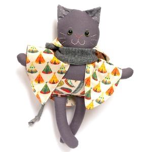 Menta, öltöztethető macska legény, kétoldalas, kapucnis pelerinben - szürke, türkiz, bézs, sárga, narancs (miaszoszmuhely) - Meska.hu