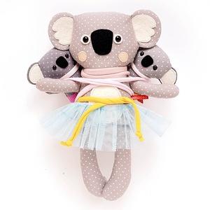 Mamma, Minna és Manna hordozós koala család, meitaiban - szürke, fehér, rózsaszín, sárga, világoskék (miaszoszmuhely) - Meska.hu