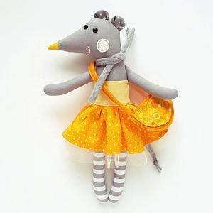 Dorci, öltöztethető egér leány ruhában, táskával - 25 cm magas! (miaszoszmuhely) - Meska.hu