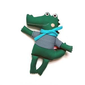 Frédi, krokodil legény, Játék & Gyerek, Plüssállat & Játékfigura, Szörnyike, Varrás, Baba-és bábkészítés, Pamut anyagokból varrtam ezt a jókedvű krokit, saját dizájn alapján.\n\nMinden apró részlet alapos gon..., Meska