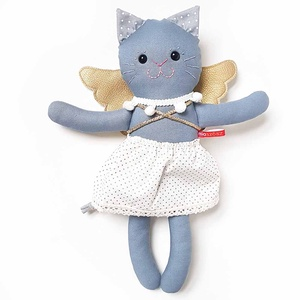 Pihe – cicangyalka, Játék & Gyerek, Plüssállat & Játékfigura, Cica, Pamut anyagokból varrtam ezt a jókedvű cica-angyalka leányzót, saját dizájn alapján.  Minden apró ré..., Meska