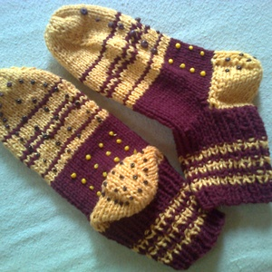 Csúszásgátlós zokni, Zokni, Cipő & Papucs, Ruha & Divat, Kötés, Nagyon meleg, csúszásgátló pöttyökkel díszített felnőtt kézzel kötött norvég mintás gyapjú zokni 38-..., Meska