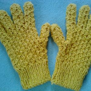 mustársárga ötujjas, Ruha & Divat, Kézzel kötött 50% pamut kesztyű különleges csavart mintával. Igazán elegáns és meleg viselet. ..., Meska