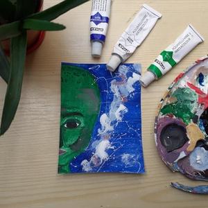 Zöld űrmanó, Otthon & lakás, Dekoráció, Képzőművészet, Festmény, Festmény vegyes technika, Festészet, Tejúton úszott el idáig ez az űrmanó.\n8,8 x 12 cm méretű festmény, Meska