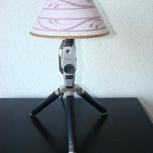 3,2,1 ... Kamera ! 8 mm Fujica újratöltve ;), Lakberendezés, Otthon & lakás, Lámpa, Asztali lámpa, Fémmegmunkálás, Újrahasznosított alapanyagból készült termékek, Egyedi asztali lámpa eladó !\n\nÖsszes darabja újrahasznosított ;) \n\nCsak a zsinór / kapcsoló / dugvil..., Meska