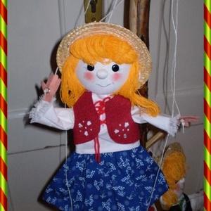 Marionett bábú kislány, Öltöztethető baba, Baba & babaház, Játék & Gyerek, Baba-és bábkészítés, Varrás, Igazi kihívásnak vettem, hogy a bábjaim mellé, marionett bábot készítsek. E kedves kislány figura fe..., Meska