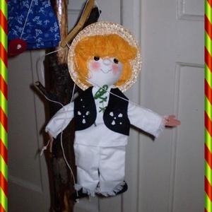 marionett bábú kisfiú, Kesztyűbáb, Bábok, Játék & Gyerek, Baba-és bábkészítés, Varrás, Igazi kihívásnak vettem, hogy a bábjaim mellé, marionett bábot készítsek. E kedves kisfiú figura fej..., Meska