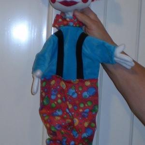 Bohóc kézbáb figura, Kesztyűbáb, Bábok, Játék & Gyerek, Baba-és bábkészítés, Varrás, \nÁltalában sokan szeretik a bohócokat. Ez a bábfigurám kb 70 cm hosszú. Az arca szögletes. A hátán l..., Meska