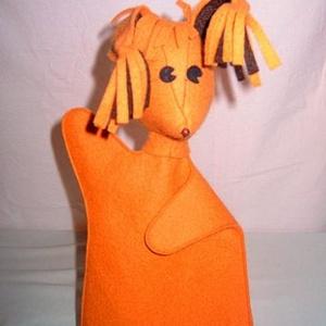 Mókus báb, Kesztyűbáb, Bábok, Játék & Gyerek, Baba-és bábkészítés, Varrás, A mókuska is igen aranyos figura.\nAnyaga: filc narancs sárga, fülén barna betét.\nTisztítása vizes ru..., Meska