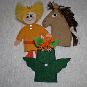 Királyfi lóval és a sárkánnyal, Gyerek & játék, Játék, Készségfejlesztő játék, Báb, Baba-és bábkészítés, Varrás, Sárkánymese\nAz ujjbábok, nem csak óvódás korú gyermekek játéka. Egész meséket lehet eljátszani velük..., Meska
