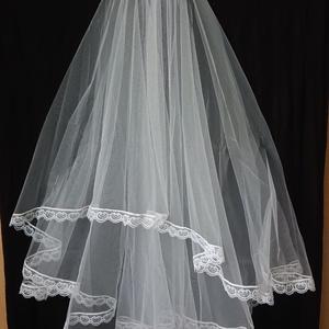 Csipkés aljú esküvői fátyol , Esküvő, Hajdísz, ruhadísz, Varrás, Vékony csipkés aljú esküvői fátyol, fésűvel., Meska