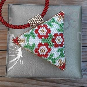 Virágos 3D háromszög , Ékszer, Medálos nyaklánc, Nyaklánc, Ez a látványos 3D ékszer minőségi 11/0 miyuki japán gyöngyből, Peyote technikával készült. Zsinór va..., Meska