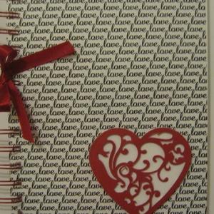 Album .......hogy egy nap emlékeit örökké őrízhesd - eljegyzés - esküvő - a legszebb nap - Valentin nap - évforduló, Naptár, képeslap, album, Otthon & lakás, Jegyzetfüzet, napló, Esküvő, Papírművészet, Az áttört szívmintával és a borítólapon Love feliratú fóliával \ndíszített albumba egy nap emlékeit v..., Meska