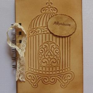 Madárkalitka dombormintával - vendégkönyv - tematikus esküvő -  rendezvénye -, találkozók - Emlékmegőrző - Album  - Meska.hu