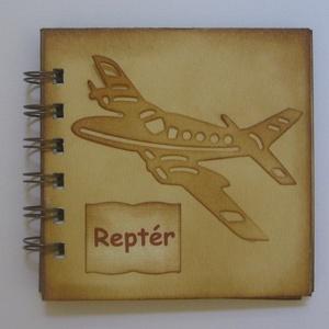 Emlékmegőrző - Reptéri jegyzetek...... (nászútunk), Naptár, képeslap, album, Otthon & lakás, Esküvő, Jegyzetfüzet, napló, Papírművészet, (Nézz körül Igenigen boltomban is.)\n\nA repülőtér...... a nagy érzelmek színtere, ahol emberek találk..., Meska