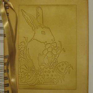 Emlékmegőrző - húsvéti élmények - emlékek - fényképek és versek 3., Naptár, képeslap, album, Otthon & lakás, Dekoráció, Húsvéti díszek, Ünnepi dekoráció, Papírművészet, Néked int a hóvirág,\ns barka bontja bársonyát.\nItt a tavasz: kikelet,\ns a húsvét is közeleg. (Devecs..., Meska