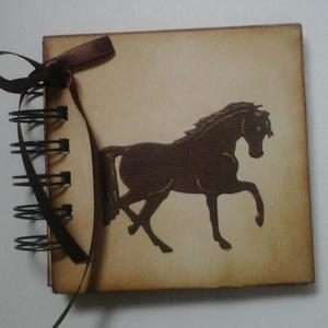 Lovasnapló/album - lovas képek - idézetek - élmények - csoportajándék - versenyajándék, Naptár, képeslap, album, Otthon & lakás, Állatfelszerelések, Lakberendezés, Papírművészet, (Nézz körül Igenigen boltomban is.)\n\nA tintázott naplót - melyet névfelirattal is kérhetsz - azoknak..., Meska