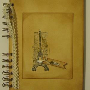 Emlékmegőrző - Utazz velem! - Párizs - nászút, nászajándék -  napló (album)  - bélyegzőmintával - örök emlék - egyedi, Otthon & lakás, Naptár, képeslap, album, Fotóalbum, Jegyzetfüzet, napló, Papírművészet, Az albumot ajándékba adhatod annak, aki az érintett területen dolgozik, hogy a távollét pillanatait ..., Meska