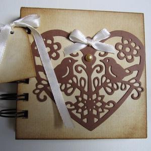 Jókívánságok lánybúcsúra - vendégkönyv esküvőre - emlékalbum szülőköszöntésre - szeretet-idézet  - örök emlék - egyedi, Vendégkönyv, Emlék & Ajándék, Esküvő, Papírművészet, Nézz körül Igenigen boltomban is.\n\nJókívánságokat gyűjthetsz a kis naplóban lánybúcsúdon, de vendégk..., Meska