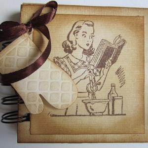 Régi idők receptjei - receptkönyv - Kitchen Queen - lánybúcsú- verseny - csoportajándék, Otthon & lakás, Naptár, képeslap, album, Konyhafelszerelés, Receptfüzet, Papírművészet, (Nézz körül Igenigen boltomban is.)\n\nMindenki számára nagy érték (egy kedves ajándék) lehet egy olya..., Meska
