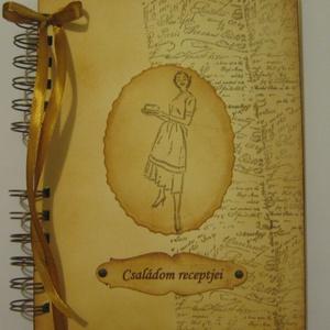 Szakácskönyv - családi,  régóta őrzött receptek - bélyegzőmintával - esküvő - lánybúcsú - emlék, Otthon & lakás, Konyhafelszerelés, Receptfüzet, Naptár, képeslap, album, Papírművészet, A szakácskönyv az egyetlen könyv, amiről elmondhatjuk, hogy boldoggá tette az embereket.\n(Joseph Con..., Meska