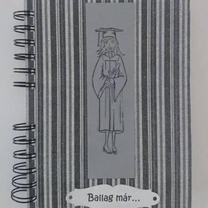 Ballagási emlékalbum - diplomaátadás - pénzátadó-zseb - jókívánságkönyv, Naptár, képeslap, album, Otthon & lakás, Ajándékkísérő, Jegyzetfüzet, napló, Papírművészet, (Csak egy példány van belőle.)\nAz egyedi album feliratát kérés szerint írom.\n\nBallagásra/diplomaátad..., Meska