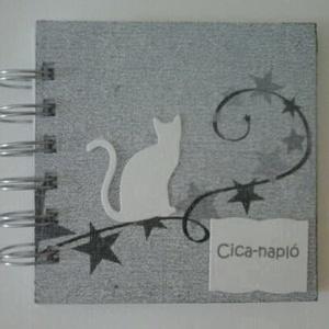 Cicanapló - emlékek, élmények a kis kedvencről - állatbarátoknak, Naptár, képeslap, album, Otthon & lakás, Állatfelszerelések, Lakberendezés, Papírművészet, Mondd, szereted az állatokat,\ns figyeled őket néhanap:\nhogy mit csinálnak, hogyan élnek,\ns a maguk n..., Meska