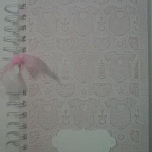 10. évem a Meskán! - Babaalbum - keresztelőajándék -  keresztszülőknek - keresztszülőktől, 9 hónap eseményei - emlékeink, Babalátogató ajándékcsomag, Játék & Gyerek, Papírművészet, (Az albumból csak egy darab van, fehér-rózsaszín kétmagvú scrapbook kartonból készült, kérésed szeri..., Meska