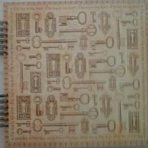 Szívem kulcsa - ilyen volt-ilyen lett - ház- vagy lakásavató - eljegyzés - tematikus esküvő - album - emlékmegőrzés -ház, Otthon & lakás, Naptár, képeslap, album, Fotóalbum, Esküvő, Papírművészet, Minden zárhoz tartozik egy kulcs, minden kulcs keres egy zárat. (Csitáry-Hock Tamás)\n\nAz album borít..., Meska
