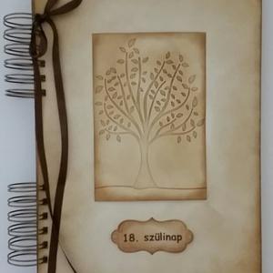 Egyedi emlékmegőrző - Boldog születésnapot! - album - születésnap -gyermek - 18 év - örök emlék - egyedi ajándék, Otthon & Lakás, Papír írószer, Album & Fotóalbum, Papírművészet, Barátok, családtagok, munkatársak részére lehet jókívánságokat írni a naplóba.\n\n.....vagy barátok, c..., Meska