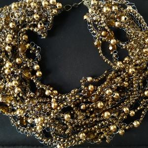 Aranyló bronz, Ékszer, Nyaklánc, Gyöngyös nyaklác, Gyöngyfűzés, gyöngyhímzés, Horgolás, Csodaszép bronz-arany színkavalkád, mely sűrűségének köszönhetően viselője nyakára vonzza a tekintet..., Meska