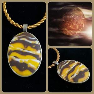Vénusz , Ékszer, Nyaklánc, Medálos nyaklánc, Gyurma, A messzi-messzi,távoli galaxisban is oly gyönyörű Vénusz ihletett ennek a medálnak az elkészítésére...., Meska