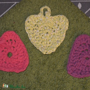 szív alakú horgolt edényalátét (mimike1969) - Meska.hu