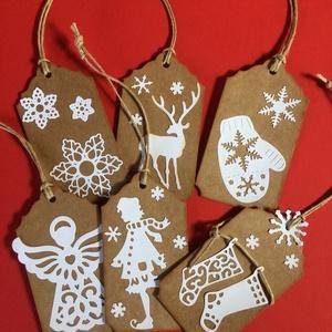 Karácsonyi ajándékkísérő 2. Advent, Karácsony, Mikulás, Naptár, képeslap, album, Karácsonyi, adventi apróságok, Könyvjelző, Ajándékkísérő, képeslap, Papírművészet, Mindenmás, 6 db-os ajándékkísérő szett, mindegyik különböző mintával, bézs-fehér színben. Az ár 6db-ra vonatko..., Meska