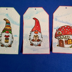 Manós karácsonyi ajándékkísérő , Karácsony, Advent, tél, hó, Otthon & lakás, Naptár, képeslap, album, Ajándékkísérő, Karácsony, Ajándékkísérő, Papírművészet, 3 db-os manós ajándékkísérő szettet készítettem, kézi nyomdával, kézzel festettem. Természetesen zsi..., Meska